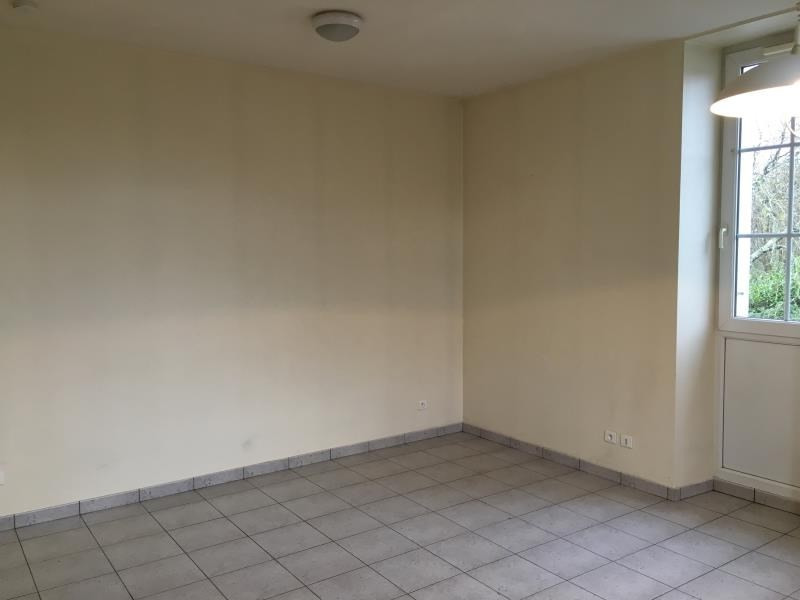 Location appartement Liguge 295€ CC - Photo 2
