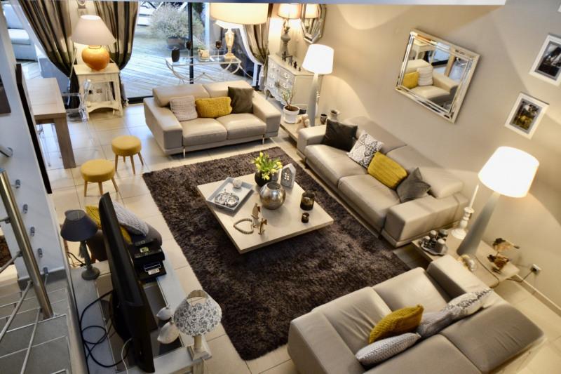 Deluxe sale house / villa St etienne 636000€ - Picture 4