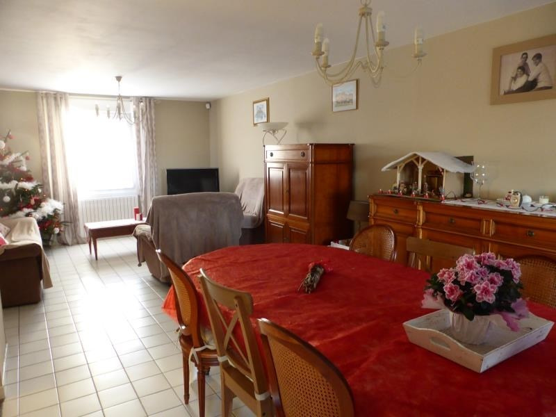 Vente maison / villa Hinges 235 000€ - Photo 6