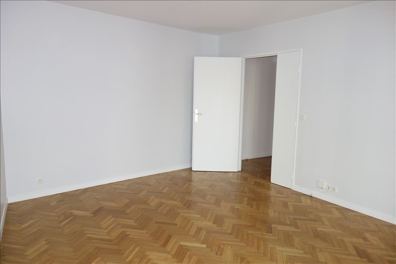 Rental apartment Le chesnay 970€ CC - Picture 6