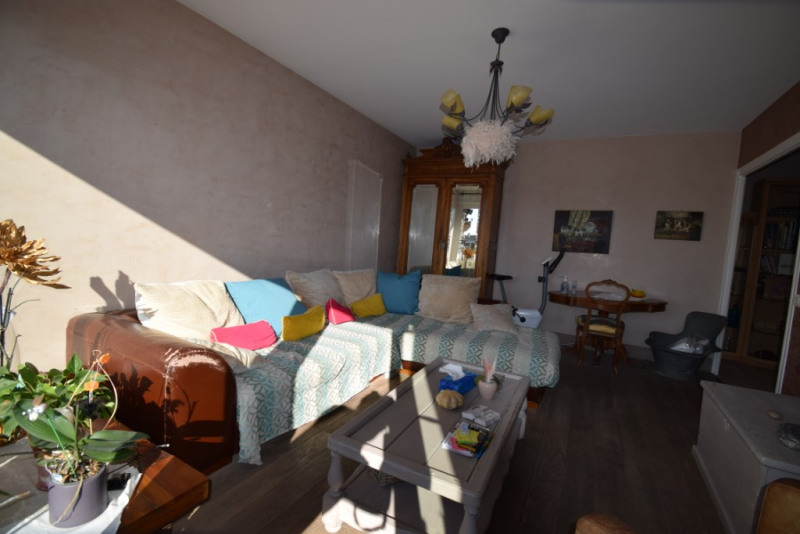 Sale apartment Annecy 422000€ - Picture 2