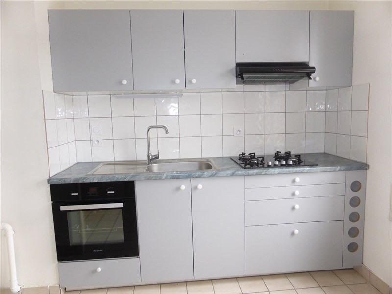 Rental apartment Prevessin-moens 1 132€ CC - Picture 3