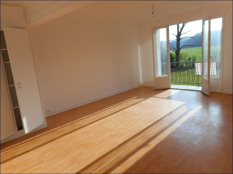 Rental apartment Athis mons 774€ CC - Picture 1