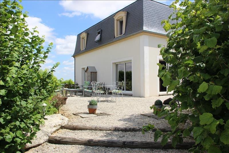Sale house / villa Janville 275000€ - Picture 1