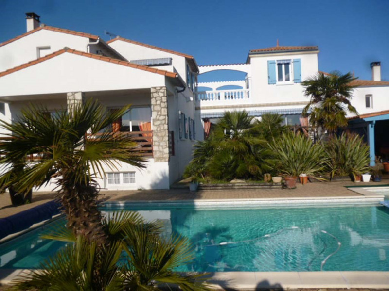 Deluxe sale house / villa Saint-sulpice-de-royan 790 000€ - Picture 1