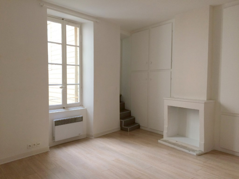 Rental apartment La rochelle 730€ CC - Picture 1