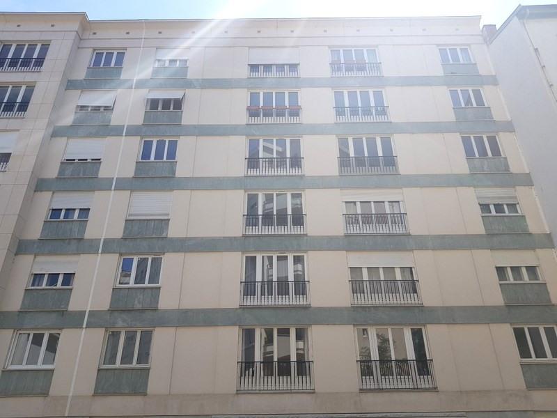 Rental apartment Lyon 6ème 1230€ CC - Picture 1