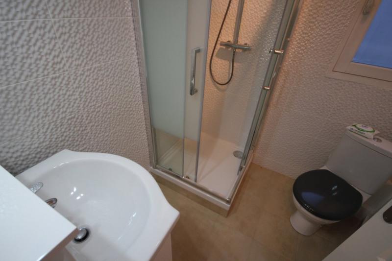 Location appartement Paris 18ème 860€ CC - Photo 4