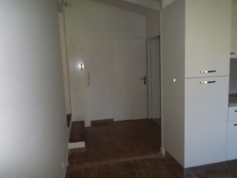 Rental apartment Salon de provence 480€ CC - Picture 6