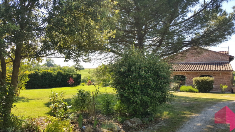 Deluxe sale house / villa Montrabe 609 000€ - Picture 1