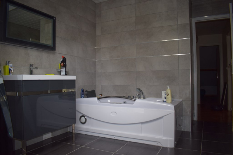 Sale house / villa Boissy mauvoisin 329000€ - Picture 12