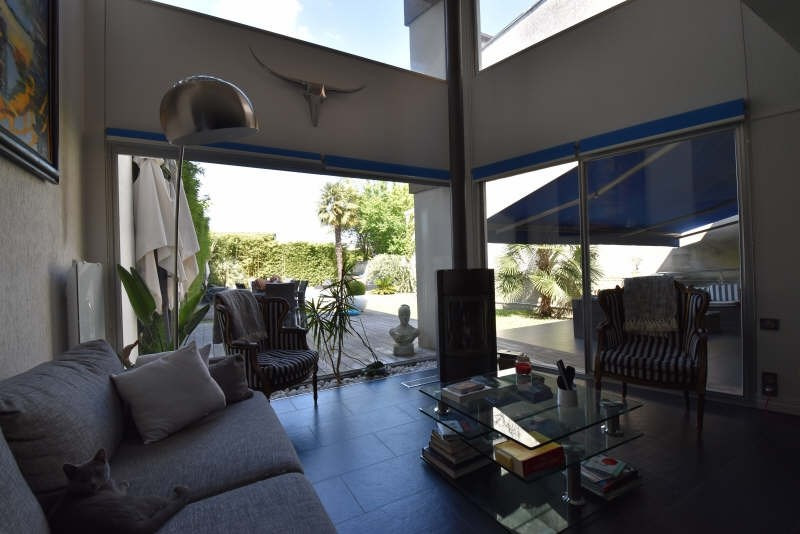 Deluxe sale house / villa Cauderan 1575000€ - Picture 1
