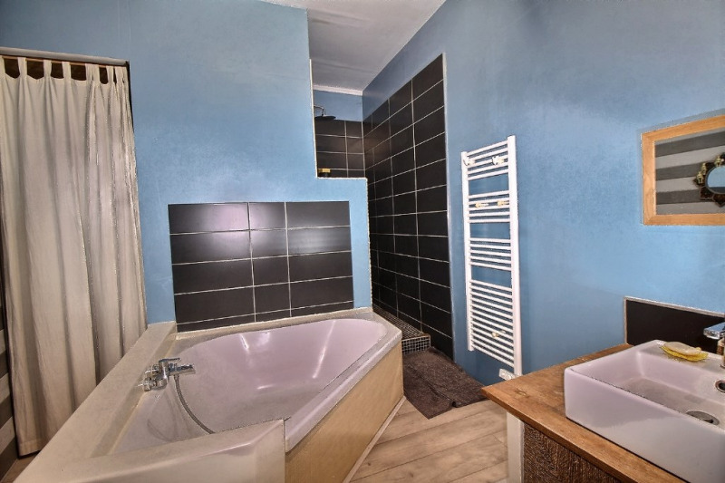 Sale apartment Pau 245000€ - Picture 4