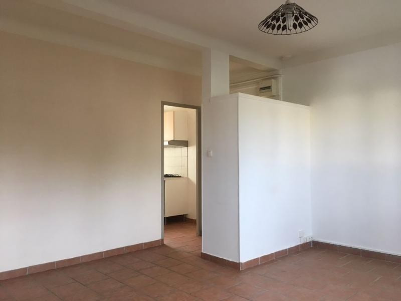 Location appartement Salon de provence 623€ CC - Photo 3