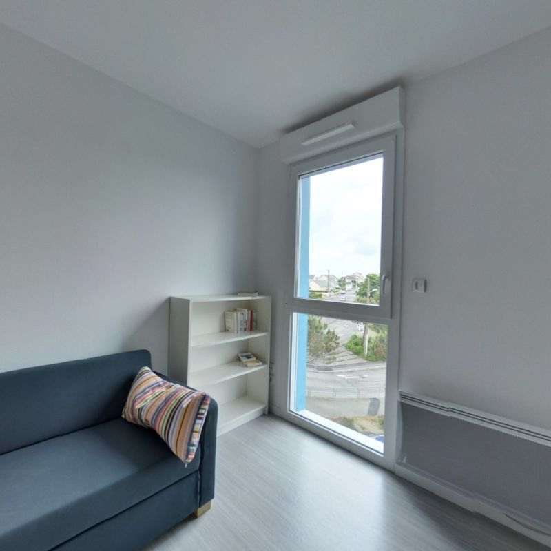 Location appartement Saint-nazaire 330€ CC - Photo 1