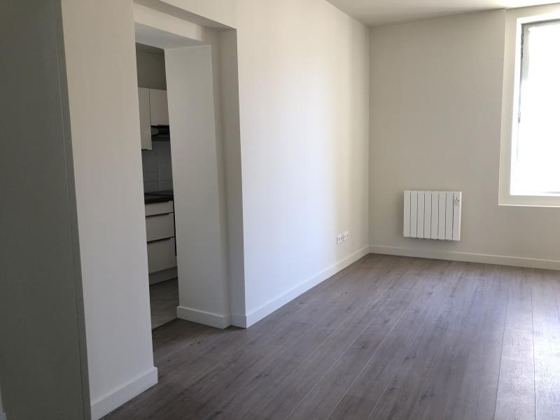 Location appartement Nimes 599€ CC - Photo 3