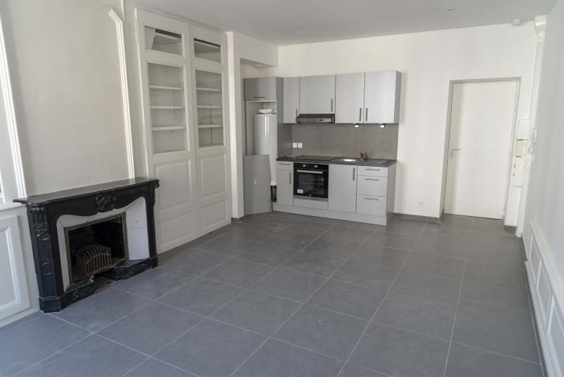 Location appartement Nantua 380€ CC - Photo 2