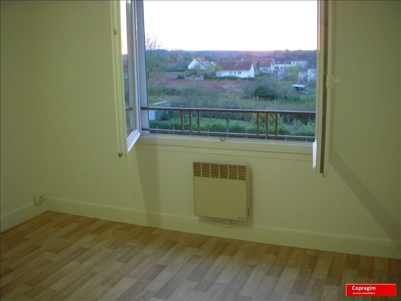 Rental apartment Montereau fault yonne 525€ CC - Picture 5