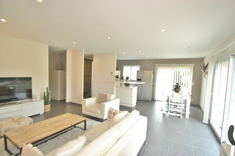 Revenda casa Lans 254000€ - Fotografia 3