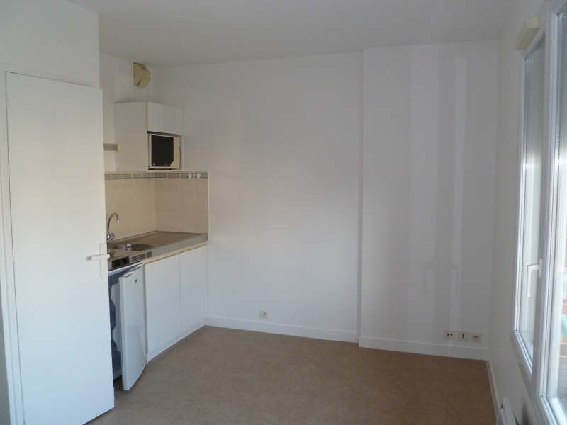 Rental apartment Poitiers 295€ CC - Picture 2