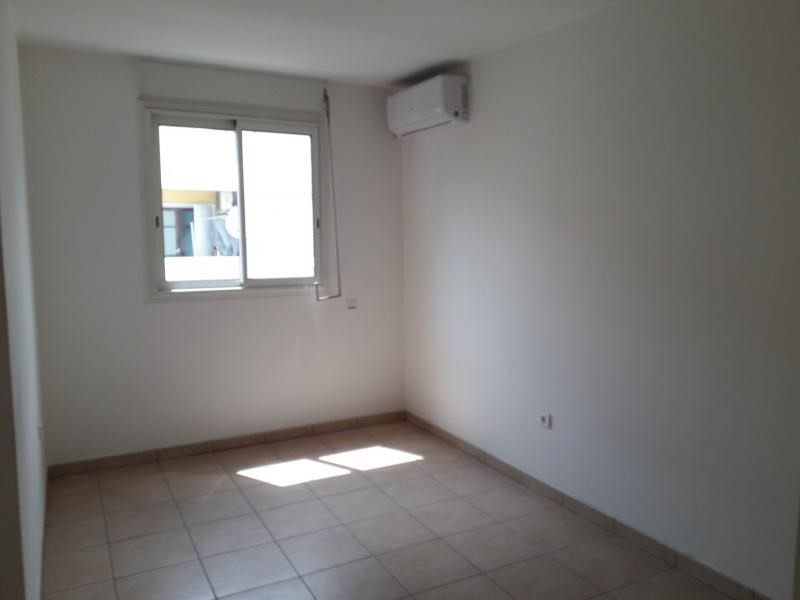 Rental apartment St denis 668€ CC - Picture 4