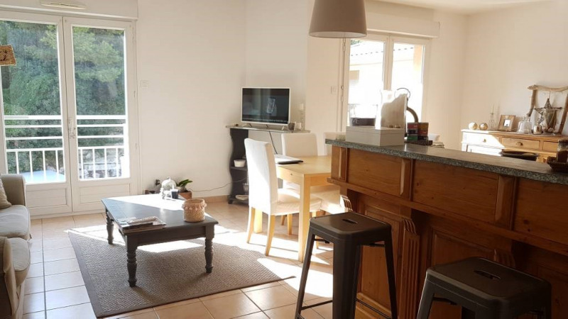 Rental apartment Les angles 733€ CC - Picture 3