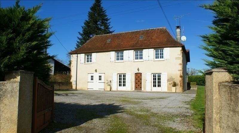 Sale house / villa Sauveterre de bearn 232000€ - Picture 1