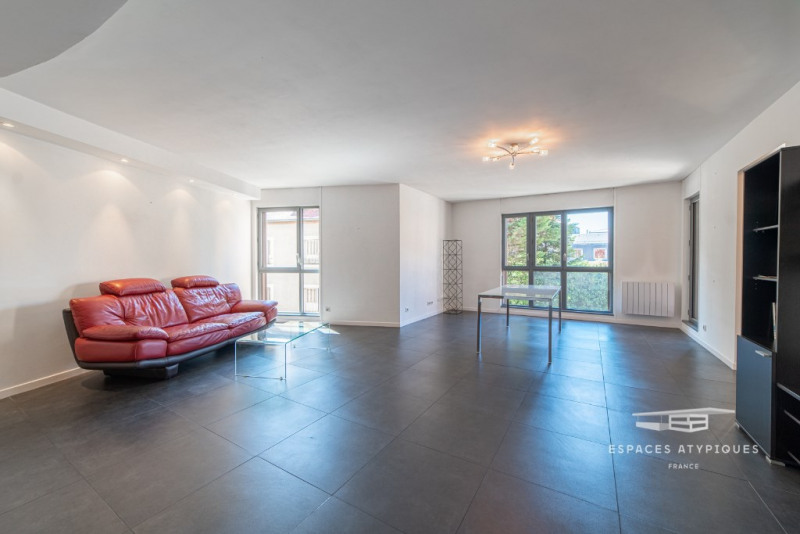 Contemporary apartment in the heart of the old town