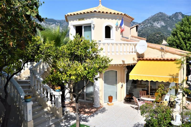 Deluxe sale house / villa Menton 1380000€ - Picture 1