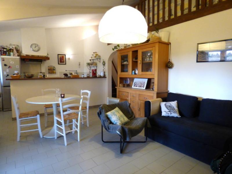 Rental apartment Les milles 850€ CC - Picture 2