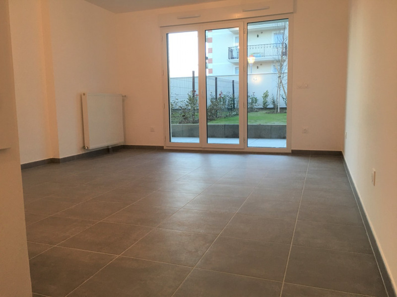 Location appartement Noisy-le-grand 665€ CC - Photo 2