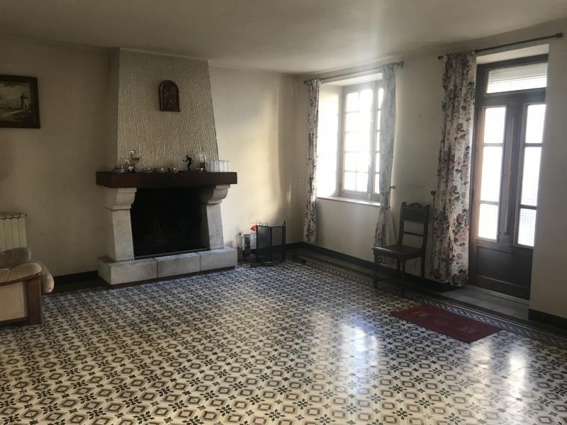 Sale house / villa Le fief sauvin 96500€ - Picture 2