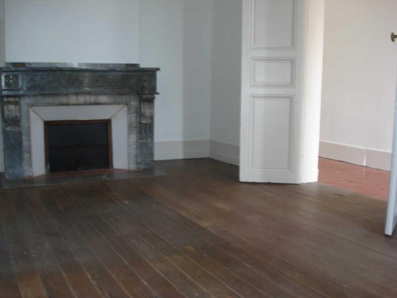 Rental house / villa Bourg st bernard 860€ CC - Picture 3
