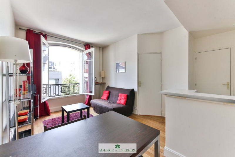 Sale apartment Paris 17ème 379 000€ - Picture 2