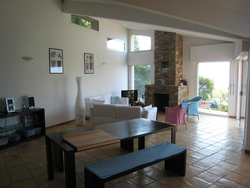 Vacation rental house / villa Cavalaire sur mer 2 800€ - Picture 12
