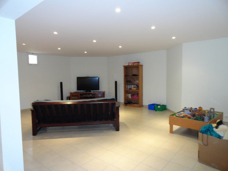 Location maison / villa St julien en genevois 2800€ CC - Photo 6