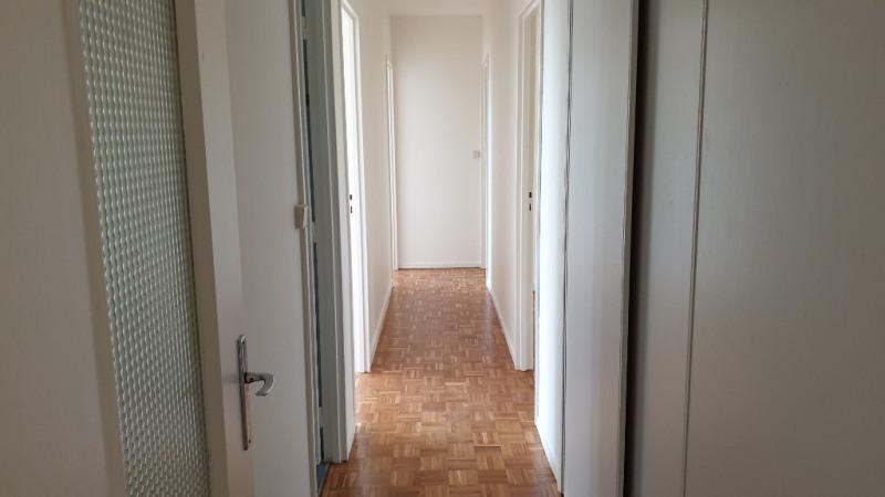 Rental apartment Montfort l amaury 1280€ CC - Picture 11