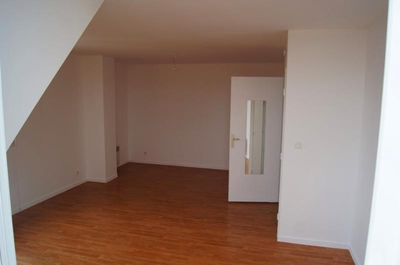 Location appartement Lagny sur marne 830€ CC - Photo 2