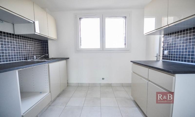 Sale apartment Les clayes sous bois 159000€ - Picture 2
