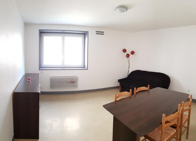 Location appartement Nantua 297€ CC - Photo 3