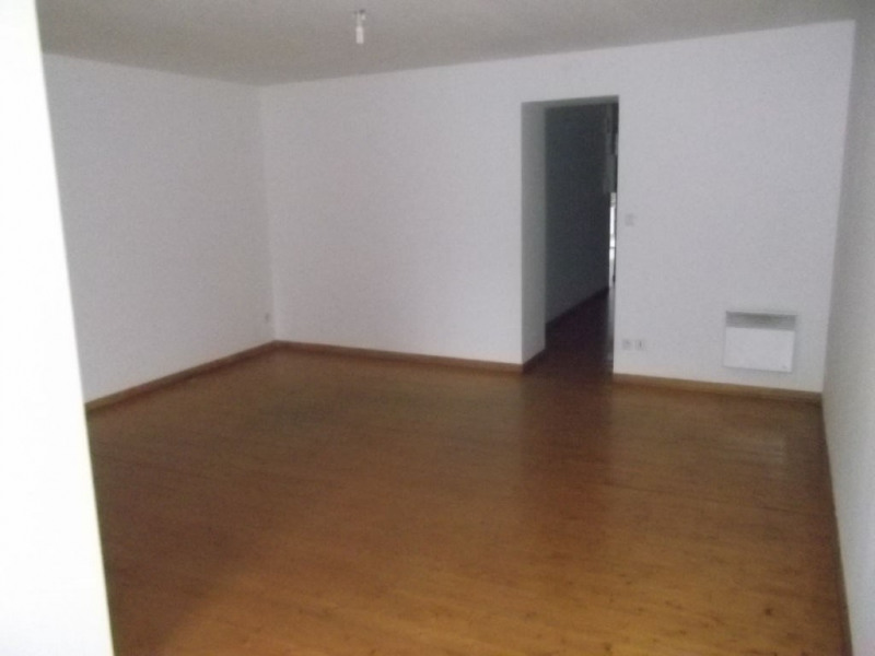Location appartement Aire sur la lys 360€ CC - Photo 5