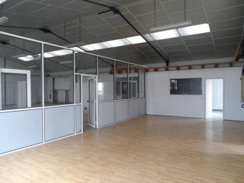 Sale empty room/storage Challans 271 900€ - Picture 2