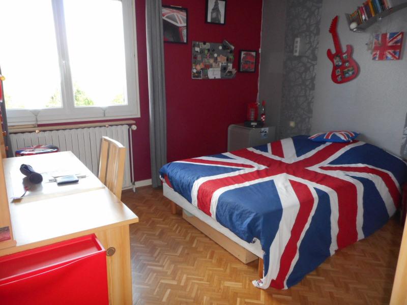 Sale house / villa Lons-le-saunier 262000€ - Picture 4