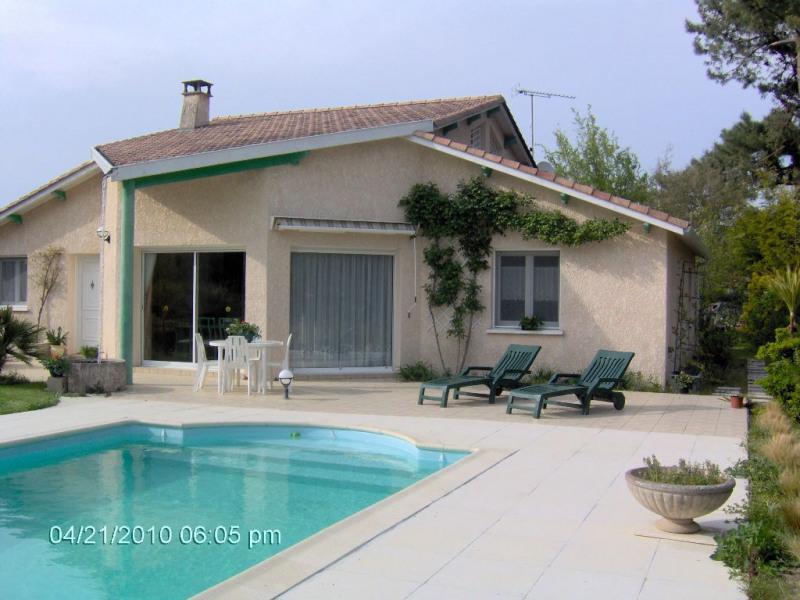 Sale house / villa Les mathes 397100€ - Picture 1