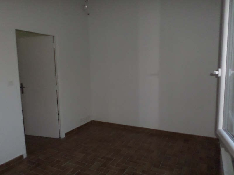 Rental apartment Salon de provence 480€ CC - Picture 5