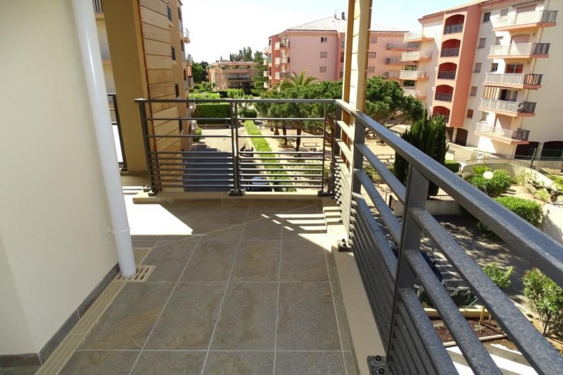 Sale apartment Ste maxime 565 000€ - Picture 1