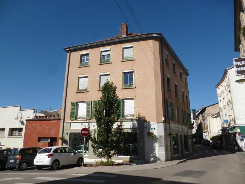 Location appartement Amplepuis 390€ CC - Photo 1