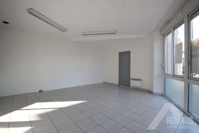 Location local commercial Aizenay 550€ HT/HC - Photo 4