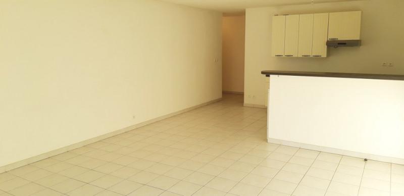 Sale apartment Lambesc 314000€ - Picture 3
