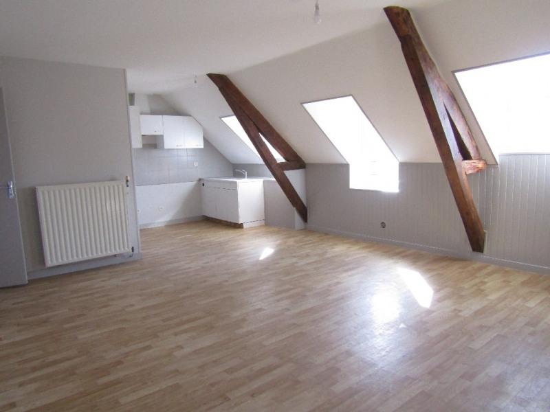 Rental apartment Renaze 345€ CC - Picture 1